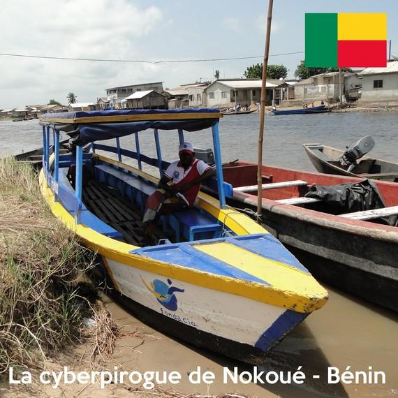 Une cyberpirogue sur le lac de Nokoué - Bénin